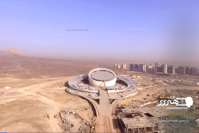 عکس هوایی یک سازه عظیم به ارتفاع 52 متر در نزدیکی اصفهان